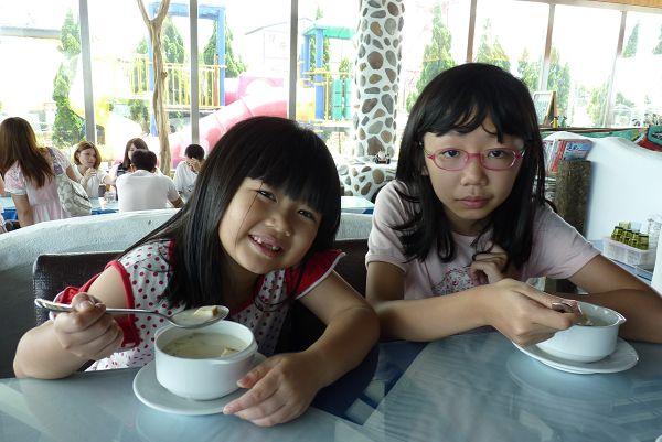 20130825_龍潭_白圍牆地中海景觀咖啡:P1700269(001).jpg