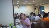 兩周年聯誼餐會:阮尪~努~力~吃(可也拼命的作班上的長工喔!)