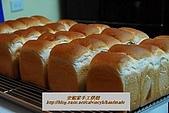 烘焙產品:芋頭五峰吐司3.jpg