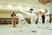 capoeira:471722_10150995372797792_1044397798_o.jpg