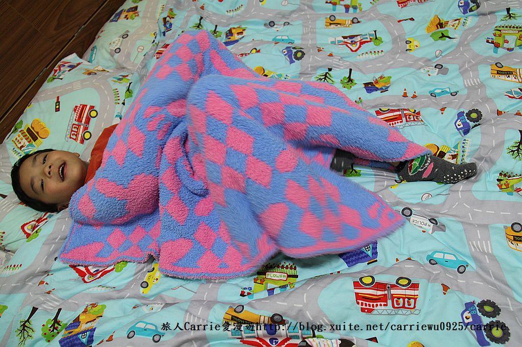 【產品】Laramei/華耀-兔寶寶暖暖毯~微笑MIT好東西,溫暖寶寶整個寒冬:IMG_0699.jpg
