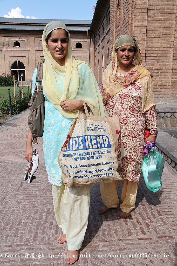 【喀什米爾Kashmir】斯里那加Srinagar‧Jamia Masjid清真寺~舊城區印度哥德風:IMG_8398.jpg