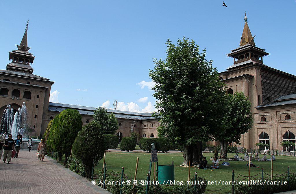 【喀什米爾Kashmir】斯里那加Srinagar‧Jamia Masjid清真寺~舊城區印度哥德風:IMG_8410.jpg