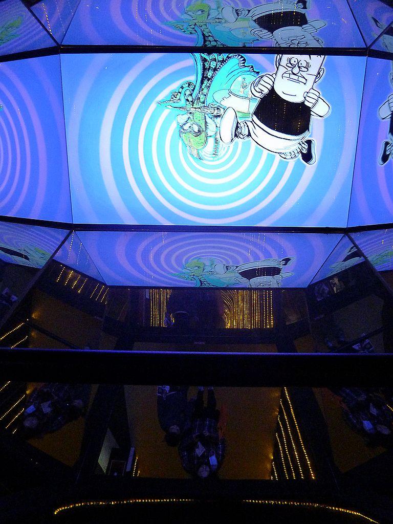 【展覽】老夫子50時空叮叮車~到台北松山文創園區搭乘叮叮車穿越時光隧道進入漫畫場景:06P1350448.jpg