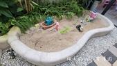 【花蓮新城住宿】童伴親子民宿〜球池、沙坑、電動車、變裝道具服、豐富的兒童遊樂設施,像親子主題樂園的溜:05 (9).jpg