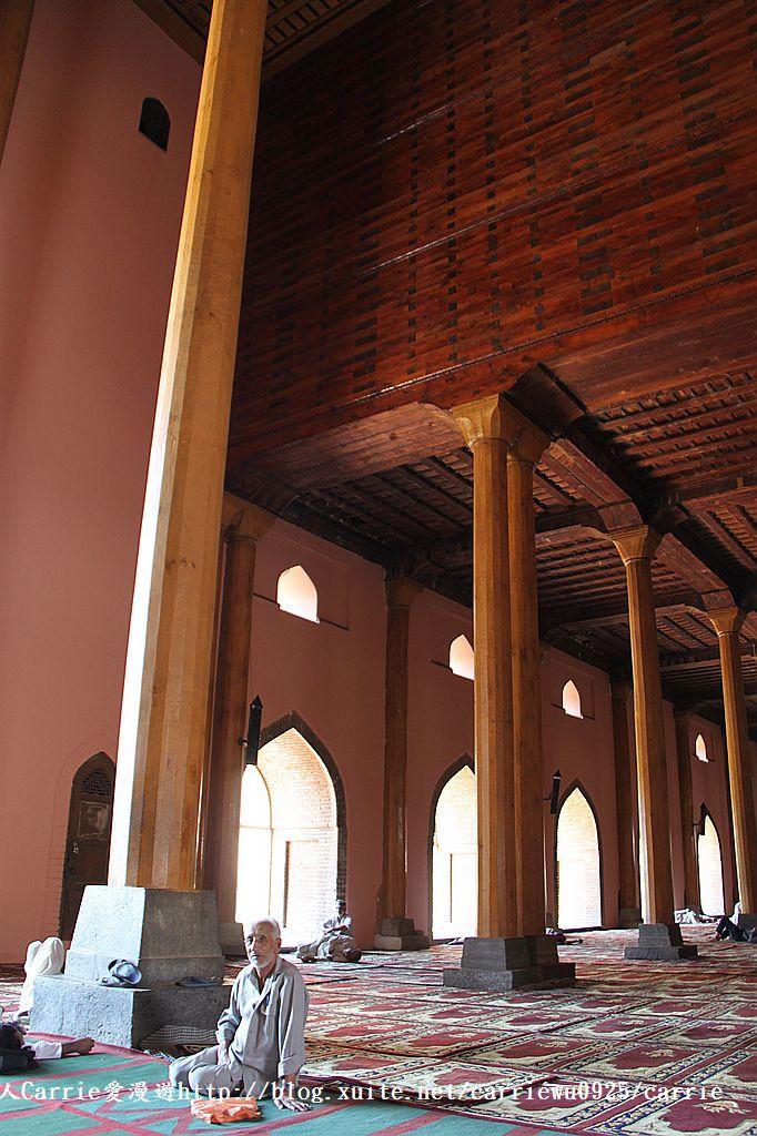 【喀什米爾Kashmir】斯里那加Srinagar‧Jamia Masjid清真寺~舊城區印度哥德風:IMG_8341.jpg