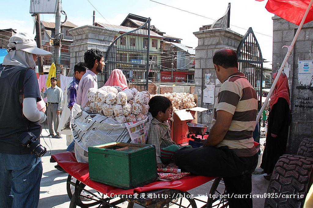 【喀什米爾Kashmir】斯里那加Srinagar‧Jamia Masjid清真寺~舊城區印度哥德風:05IMG_8299.jpg