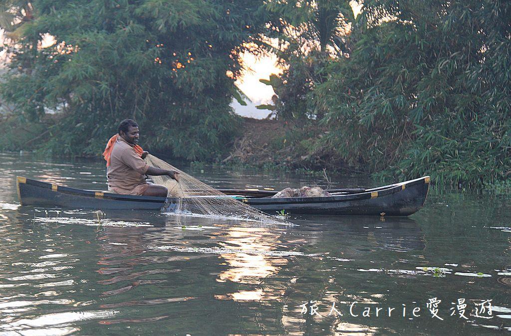 【南印喀拉拉】阿勒皮Alleppey~迴水區Backwater清晨盪小舟送明月迎朝陽:IMG_9223.jpg