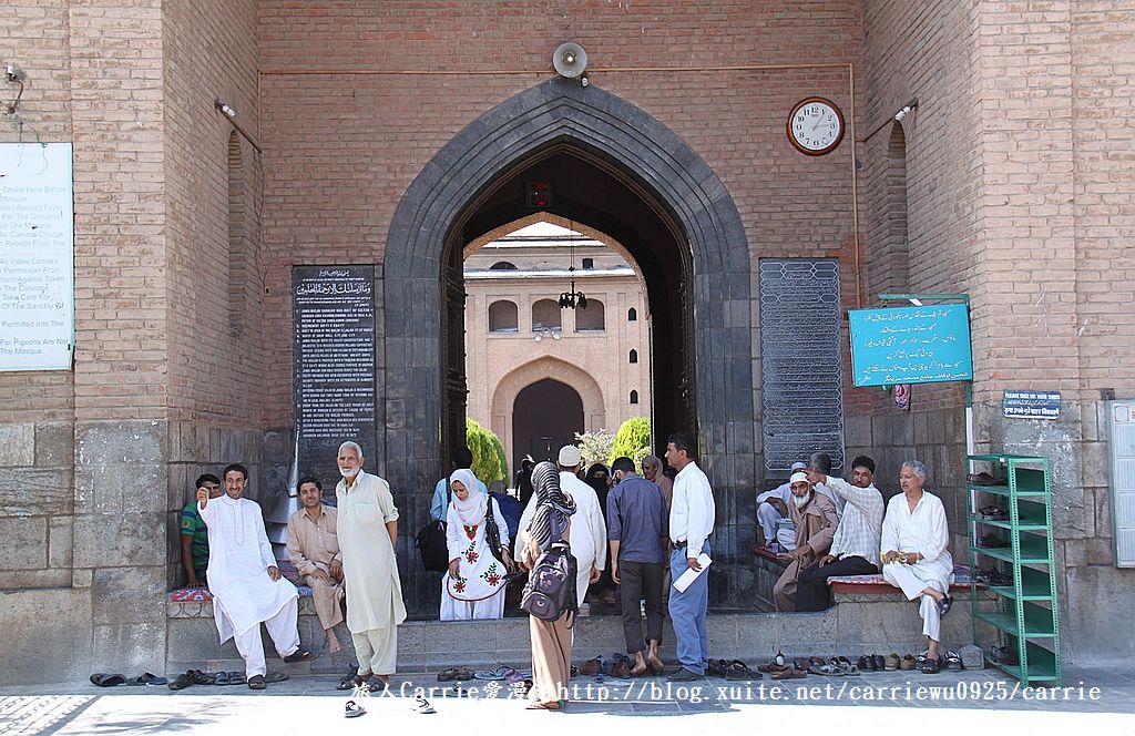 【喀什米爾Kashmir】斯里那加Srinagar‧Jamia Masjid清真寺~舊城區印度哥德風:08IMG_8310.jpg