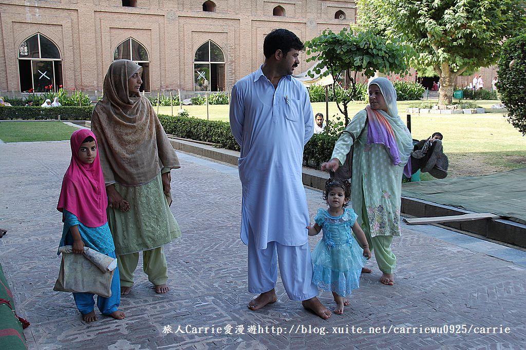 【喀什米爾Kashmir】斯里那加Srinagar‧Jamia Masjid清真寺~舊城區印度哥德風:IMG_8381.jpg