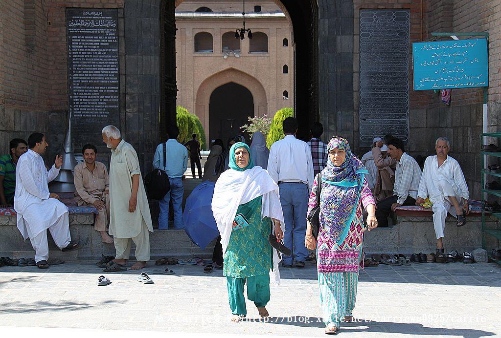 【喀什米爾Kashmir】斯里那加Srinagar‧Jamia Masjid清真寺~舊城區印度哥德風:10IMG_8308.jpg