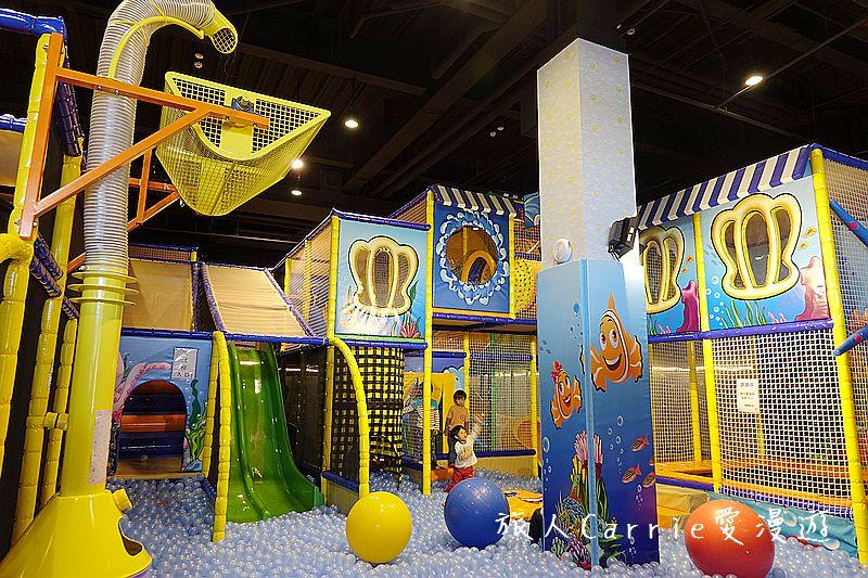 黃金堡親子樂園【台中東區旅遊】~秀泰廣場對面挑高六米室內親子樂園適合1-12歲‧超大球池+倒球機 海:
