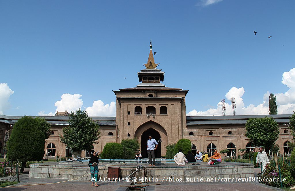 【喀什米爾Kashmir】斯里那加Srinagar‧Jamia Masjid清真寺~舊城區印度哥德風:IMG_8387.jpg