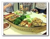 海鮮:整船的海鮮前菜, 還有最有名的曼波魚皮哩~~!