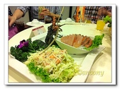 海鮮:生魚片以及龍蝦肉