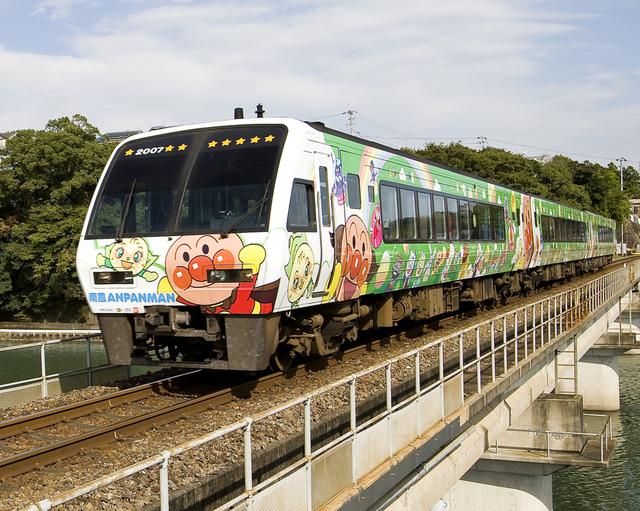 土讃線アンパンマン列車グリーン_2.jpg - JR四國。麵包超人列車