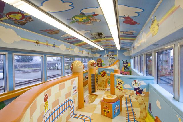 ゆうゆうアンパンマンカープレイルーム_1.jpg - JR四國。麵包超人列車