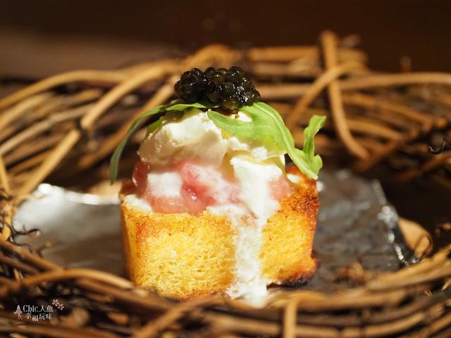 花彘醺-經典單點-3一口點-黑鮪魚佐魚子醬 (2).jpg - 台北美食。花彘醺 BISTRO (美食篇)