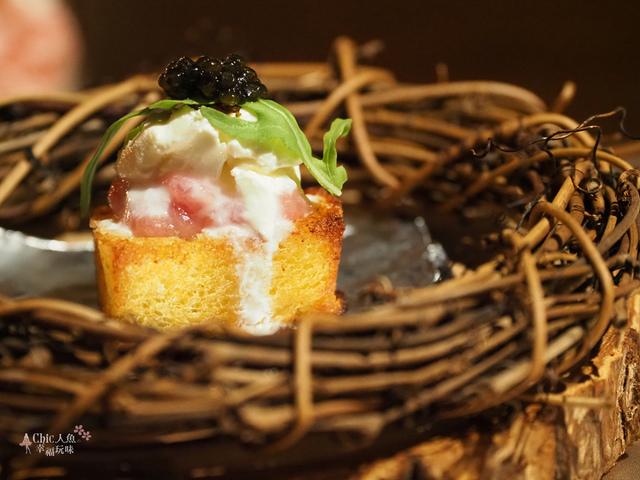 花彘醺-經典單點-3一口點-黑鮪魚佐魚子醬 (6).jpg - 台北美食。花彘醺 BISTRO (美食篇)