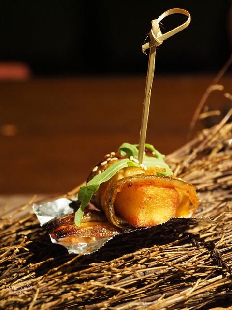 花彘醺-經典單點-4一口點-星鰻一口典 (3).jpg - 台北美食。花彘醺 BISTRO (美食篇)