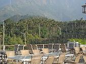 華山雲頂咖啡(2008_0120):頂樓的景觀,但是下午不適合在這邊喝咖啡聊是非,因為很熱