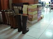 華山雲頂咖啡(2008_0120):女人真的有這麼多腳可以穿嗎 orz