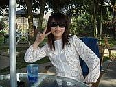 華山雲頂咖啡(2008_0120):西米露小姐跟他的香奈兒墨鏡