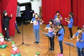 105年12月23日師生才藝表演活動:003高年級弦樂團~小提琴表演 (1).JPG