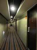 980329~趕到快喘不過氣來的台中行-住與食篇:980328-03-文華道Hotel 009.JPG