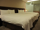980329~趕到快喘不過氣來的台中行-住與食篇:980328-03-文華道Hotel 010.JPG