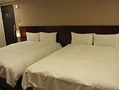 980329~趕到快喘不過氣來的台中行-住與食篇:980328-03-文華道Hotel 012.JPG