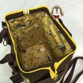 手作品:史努比(咖啡、黃)拉支架口金 手提、斜背、後背3用包-4.jpg