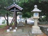 通霄神社:入口側石燈與說明牌.JPG