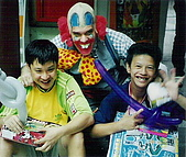 1999東台灣家庭慈善工作:1999 東台灣家庭慈善工作 小丑秀02