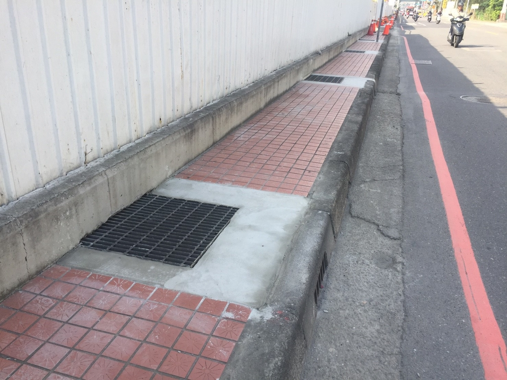 106年1月會勘:12055 泰林路人行道完工2.jpg