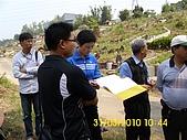 990331本鄉第一公墓墳墓沖毀請速妥善規劃排水設施-會勘:DSCI0133.JPG