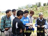 990331本鄉第一公墓墳墓沖毀請速妥善規劃排水設施-會勘:DSCI0134.JPG
