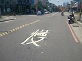 108年10月會勘:【16393】忠孝路569巷、581巷口增繪叉路標線慢字3組 完工照3.jpg