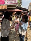 107.5.13母親節林口市場送康乃馨(活動):ceac4551535c3b0ec791eac8bc17cfeb0_10791026_180815_0016.jpg