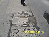 990924冠東方社區,週邊行道樹枯死,排水溝不通及柏油路面不平等問題,請速辦理改善:DSCI0827 (Large).JPG