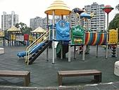 兒童設備:990712運動公園遊樂設施2(Large).JPG
