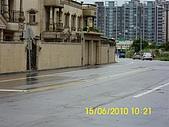 990615南勢路口路段,兩側人行道年久失修,且部分被佔用,:DSCI0533 (Large).JPG