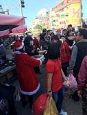 2016淑君阿姨聖誕糖果發放活動:1225 林口菜市場發糖果_161226_0005.jpg