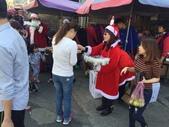 2016淑君阿姨聖誕糖果發放活動:1225 林口菜市場發糖果_161226_0016.jpg