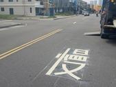 108年10月會勘:【16393】忠孝路569巷、581巷口增繪叉路標線慢字3組 完工照2.jpg