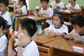 開學第一天:光明國小一年三班新生