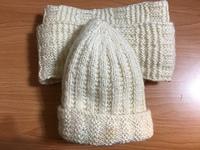 媽媽親手鉤的圍巾與毛帽.JPG - 臉書發表的文章