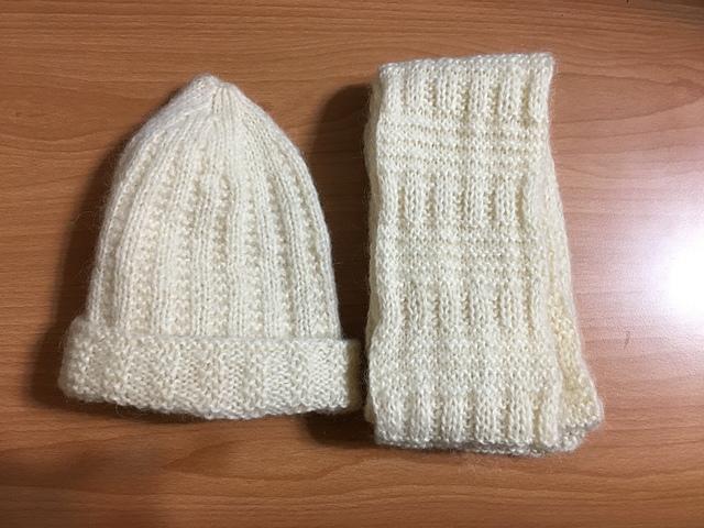 媽媽親手鉤的圍巾與毛帽 (2).JPG - 臉書發表的文章