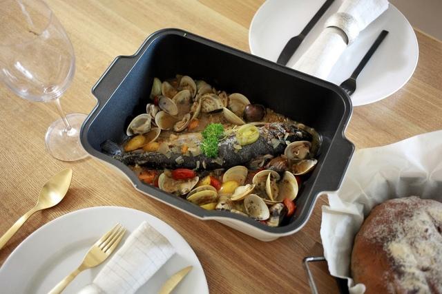 1461345896-1601286068_l.jpg - 義式水煮魚&核桃無花果乾鄉村麵包及西班牙橄欖油漬蝦仁