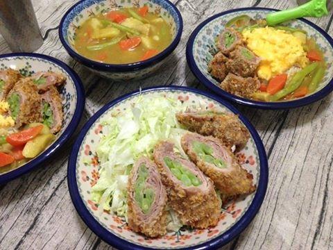咖哩飯+ 炸四季豆肉捲+高麗菜絲:1460963485-3173694533.jpg